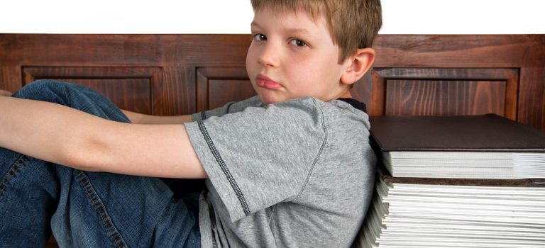 Comment bien se comporter avec un enfant hyperactif?